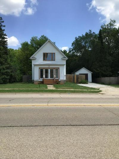 225 S LINCOLN ST, Elkhorn, WI 53121 - Photo 2
