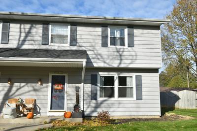 W56N479 HIGHLAND DR, Cedarburg, WI 53012 - Photo 1