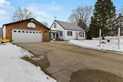 1551 S 164TH ST, New Berlin, WI 53151 - Photo 2