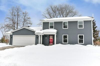 10406 N SUNFLOWER CT, Mequon, WI 53092 - Photo 1