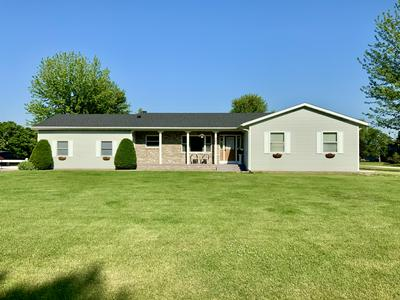 487 HERFORD DR, Wales, WI 53183 - Photo 1