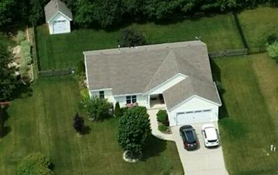 622 HICKORY HOLLOW RD, Waterford, WI 53185 - Photo 1