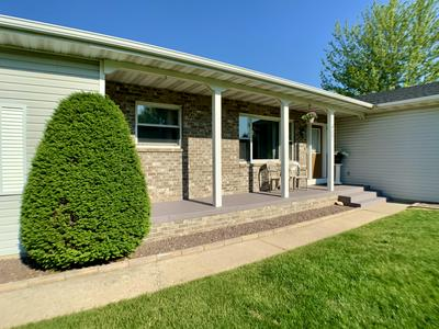 487 HERFORD DR, Wales, WI 53183 - Photo 2