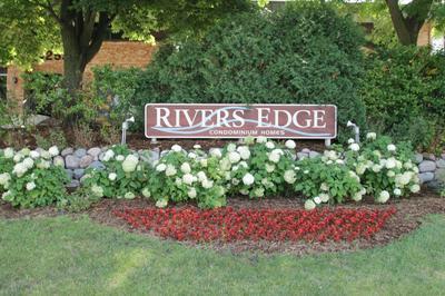 4080 W RIVERS EDGE CIR UNIT 18, Brown Deer, WI 53209 - Photo 1
