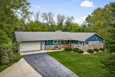 11557 N PARKVIEW DR, Mequon, WI 53092 - Photo 2