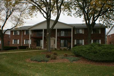 6400 W HOWARD AVE APT 101, Milwaukee, WI 53220 - Photo 1