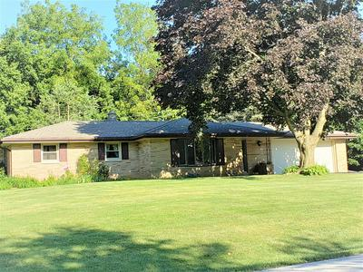 5770 S SAINT ANDREWS DR, New Berlin, WI 53146 - Photo 1