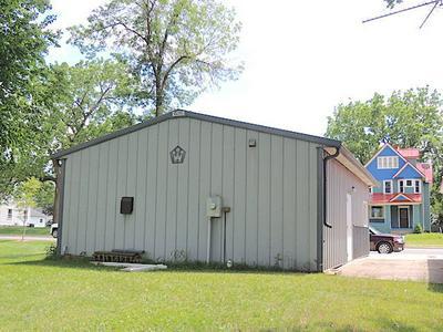 318 E LINCOLN ST, Augusta, WI 54722 - Photo 2