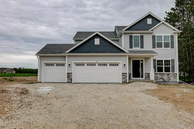 500 MEADOW VIEW DR, Slinger, WI 53086 - Photo 1