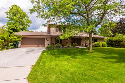 1004 CRESTVIEW DR, Port Washington, WI 53074 - Photo 2