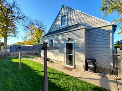 3841 S 38TH ST, Greenfield, WI 53221 - Photo 2