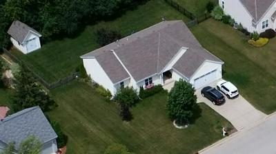 622 HICKORY HOLLOW RD, Waterford, WI 53185 - Photo 2