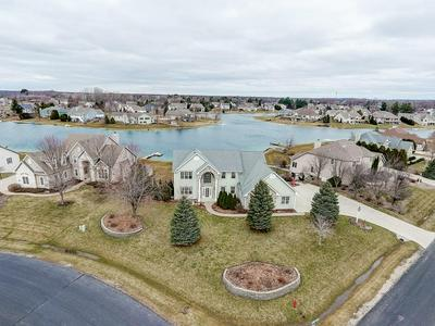 420 ISLAND VIEW CT, DOUSMAN, WI 53118 - Photo 2