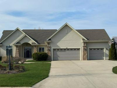 6648 W RIVER POINTE DR, Franklin, WI 53132 - Photo 2