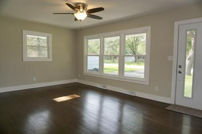 3930 S ELM DR, New Berlin, WI 53146 - Photo 2
