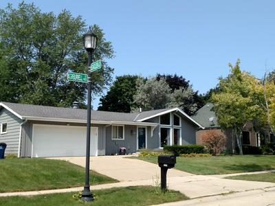 9395 S BURRELL ST, Oak Creek, WI 53154 - Photo 1