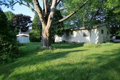 5619 EXETER ST, Greendale, WI 53129 - Photo 2