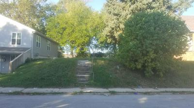 618 RANDOLPH ST, Racine, WI 53404 - Photo 2