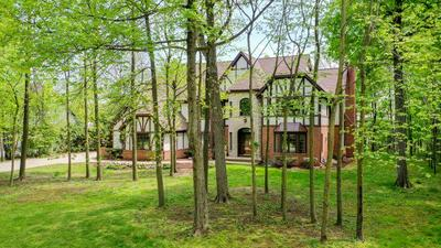 14335 WOODMOUNT DR, Brookfield, WI 53005 - Photo 1