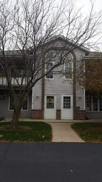 514 ROOT AVE APT B, Hartford, WI 53027 - Photo 2