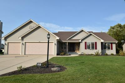 4094 W WHISPERING RIDGE PASS, Franklin, WI 53132 - Photo 1