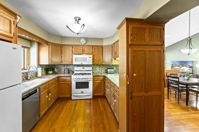 1240 LANSDOWNE CT, Brookfield, WI 53045 - Photo 2