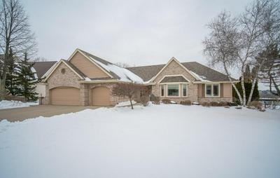 8570 W WOODFIELD CT, FRANKLIN, WI 53132 - Photo 2