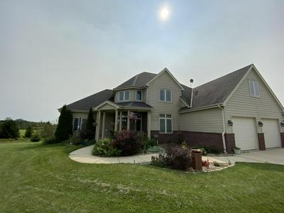1155 ROLLING MEADOWS CT, Saukville, WI 53074 - Photo 2