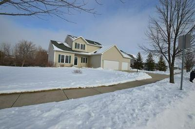 612 WATERS EDGE DR, Whitewater, WI 53190 - Photo 2