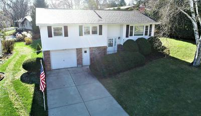 6 BRIAN CT, Watertown, WI 53094 - Photo 2