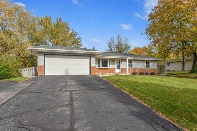 S77W17394 ST LEONARDS DR, Muskego, WI 53150 - Photo 1