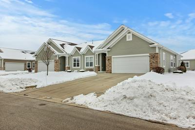 3968 S FOHR DR, New Berlin, WI 53151 - Photo 1