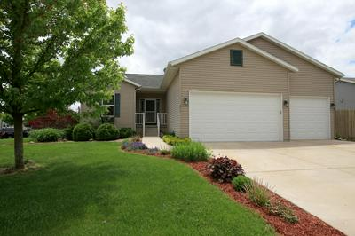 213 WOODLAND PRESERVE, Johnson Creek, WI 53094 - Photo 1