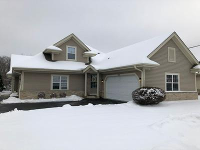 4848 S WATERVIEW CT, Greenfield, WI 53220 - Photo 1