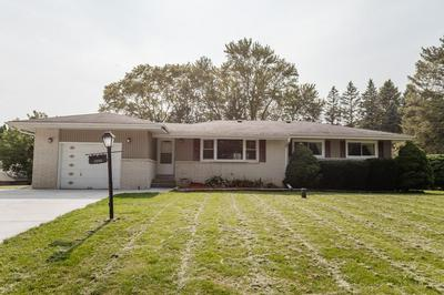 4955 S BROOKDALE DR, Greenfield, WI 53228 - Photo 1