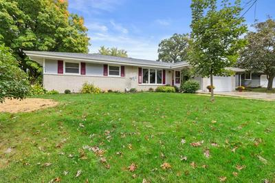 5302 RADCLIFF DR, Greendale, WI 53129 - Photo 2