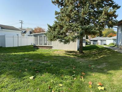 4661 S 49TH ST, Greenfield, WI 53220 - Photo 2