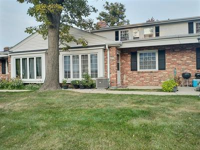 4915 W COLONIAL CT, Greenfield, WI 53220 - Photo 1