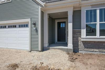 529 MEADOW VIEW DR, Slinger, WI 53086 - Photo 2
