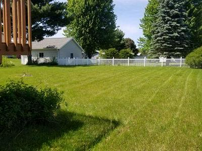 113 JOHNSON ST, Holmen, WI 54636 - Photo 2