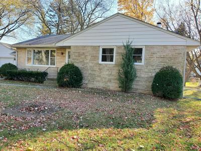 N49W7129 WESTERN RD, Cedarburg, WI 53012 - Photo 2