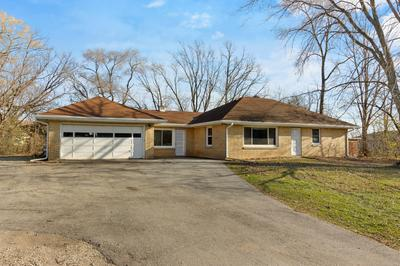 W125S8292 N CAPE RD, Muskego, WI 53150 - Photo 2
