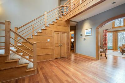 10903 N BEECHWOOD DR, Mequon, WI 53092 - Photo 2