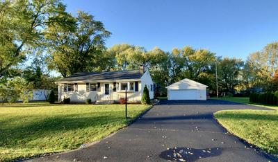 8114 W MARGARET LN, Franklin, WI 53132 - Photo 2