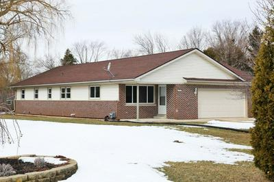 9025 S 35TH ST, FRANKLIN, WI 53132 - Photo 2