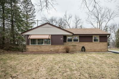 5625 EXETER ST, GREENDALE, WI 53129 - Photo 1