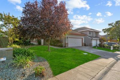 6400 BROCKENHURST DR, Elk Grove, CA 95758 - Photo 2
