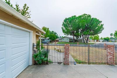 7225 CROMWELL WAY, Sacramento, CA 95822 - Photo 2