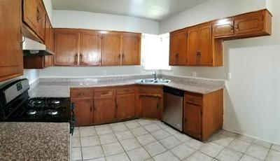 945 ALAMOS AVE, Sacramento, CA 95815 - Photo 2