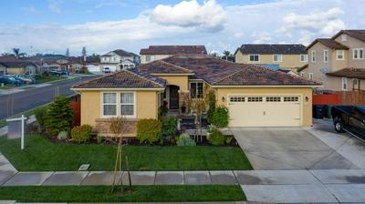 1709 FEATHERS CT, HUGHSON, CA 95326 - Photo 2